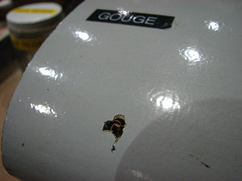 Gouge in 747 composite wing